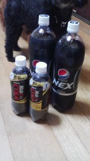 脂肪の吸収を抑えるキリンメッツコーラを飲む