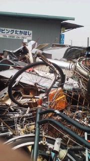 スクラップ鉄を敷地内バッカンで年中無休無料回収