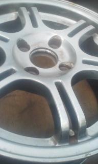アルミホイール(タイヤ付き可)買取、タイヤ(鉄ホイール付き含)処分